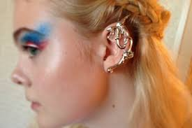 ear cuffs uk met gala jewellery trend ear cuffs