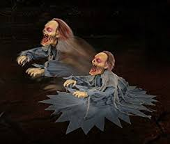 amazon com lunging zombie reaper animated animatronic scary