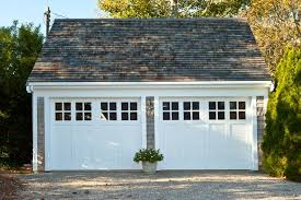 Cottage Style Garage Doors by Best 25 Garage Door Window Inserts Ideas On Pinterest Retrofit