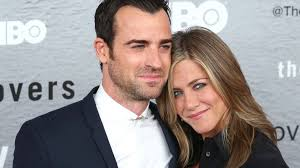 Jennifer Aniston Wedding Ring by Justin Theroux Looks Extra Fine Post Honeymoon With His Wedding