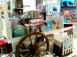 oxford circus bhs store is getting ready for summer with their