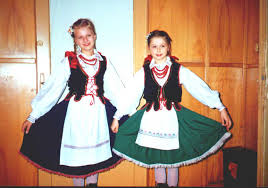 folk costumes in different regions of poland past