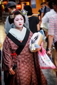Geisha Hairstyles 422 Best Maiko Kanzashi Images On Pinterest Geishas Kimonos And