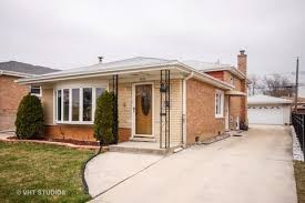 burbank house burbank il homes for sale 132 burbank real estate listings movoto