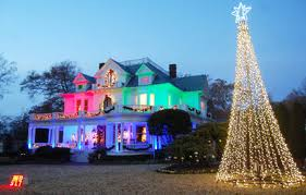 daily corinthian family gets in holiday spirit