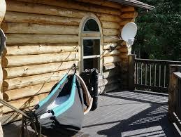 h ngematte auf balkon hängematte und whirlpool in einem design hydro hammock