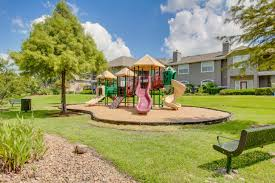 trails at rock creek apartments in houston tx