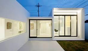 modern architecture vs contemporary interior design