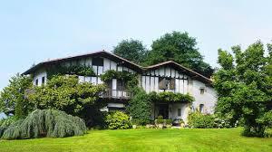 chambres d hotes pays basques la ferme olhabidea table d hôtes authentique au pays basque l