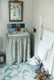 bathroom ideas for small spaces small bathroom decorating ideas small spaces