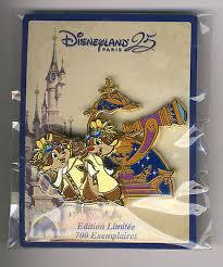 parade pins disneyland disney pin 25 years parade chip dale limited