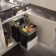 rangement poubelle cuisine meuble cache poubelle cuisine maison design bahbe com