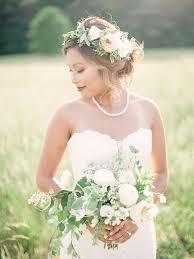 necklace wedding dress images Accessorizing your wedding dress rules for wedding day accessories h