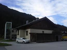 Haus Mit Wohnungen Kaufen Haus Mit 2 Wohnungen In Saalbach Im Baurecht Derstandard At