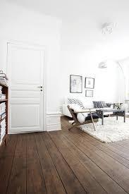 Laminate Flooring Skirting Board Trim by Best 25 Skirting Boards Ideas On Pinterest Skirting Board Paint