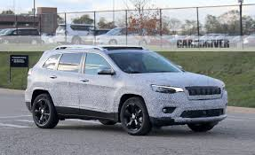 jeep cherokee blue 2019 jeep cherokee spy photo pictures photo gallery car and
