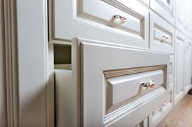 What To Look For In Kitchen Cabinets 6 Mistakes To Avoid When Choosing Kitchen Cabinet Contractor
