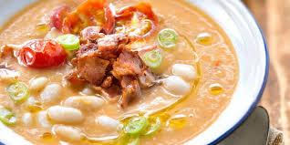 cuisiner haricots blancs soupe rustique aux haricots blancs recettes femme actuelle