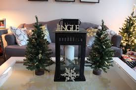 30 best ideas of rustic christmas coffee table decors