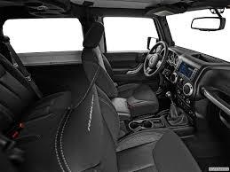 interior jeep wrangler 9074 st1280 160 jpg