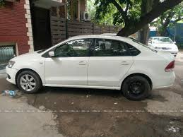 volkswagen vento white used volkswagen vento 1 6 highline diesel in new delhi 2012 model