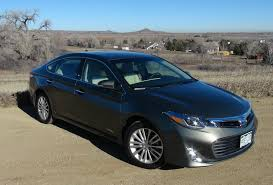 2013 toyota avalon 0 60 2014 toyota avalon hybrid who is faster 0 60 mph the
