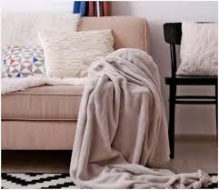 nettoyer un canapé en cuir blanc comment nettoyer canapé en cuir blanc obtenez une impression