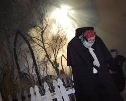 bloody mary halloween horror nights hhn 18 the top of his head less horseman u2013 the hhn yearbook