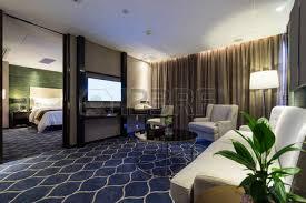 decoration chambre hotel luxe chambre d hôtel de luxe à la décoration banque d images et photos