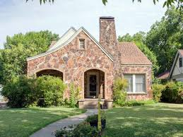 Fixer Upper Show House For Sale The Flipper Fixer Upper Hgtv U0027s Fixer Upper With Chip And Joanna