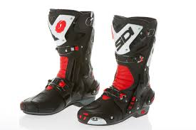 motorcycle boots review review sidi vortice boots 299 99 visordown