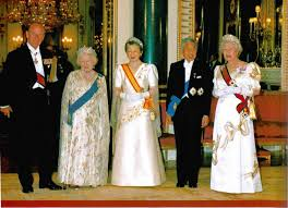 Queen Elizabeth Ii House by Japanese State Banquet Buckingham Palace 1998 The British Royals