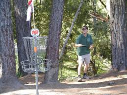 an introduction to disc golfing and the best places to go near