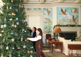 pebble hill plantation decked out for christmas news
