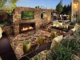 Outdoor Entertaining Spaces - set the scene for outdoor entertaining with lighting toll talks
