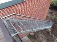 balkon vordach edelstahl geländer balkon vordächer treppen tore balkongeländ