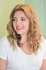 casual shaggy hairstyles done with curlingwands the 25 best messy waves tutorial ideas on pinterest messy curls