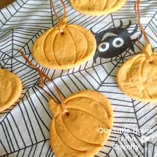 halloween decor ideas frugal fanatic snack pack pudding cups