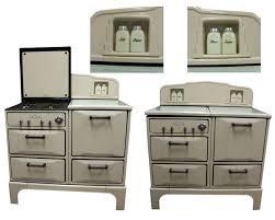 buckeye cabinets williamsburg va 29 best 1930s kitchens images on pinterest 1930s kitchen built in