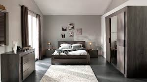 couleur de la chambre chambre mansardee 2 couleurs chaios com