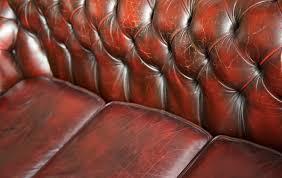 comment renover un canapé en cuir comment nettoyer canapé en cuir pour retrouver sa couleur d