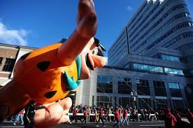 thousands line stamford s downtown for annual thanksgiving parade