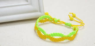 bracelet macrame patterns images Make alternate colored infinity friendship bracelet pattern with jpg