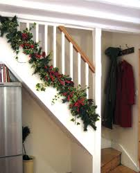 Christmas Garland Decorating Ideas by Banister Christmas Garland Staircase Idea Via Garland Staircase