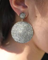 kris jenner diamond earrings kris jenner won t return 20 5 carat diamond engagement ring
