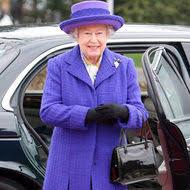 queen handbag what s in the queen s handbag express yourself comment
