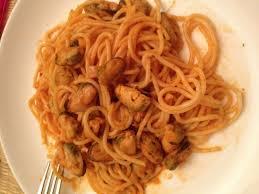 comment cuisiner des moules congel馥s spaghetti aux moules sauce tomate recette de spaghetti aux moules