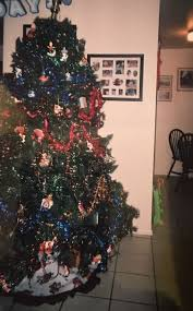 7 1 2 foot pre lit tree with green canvas storage