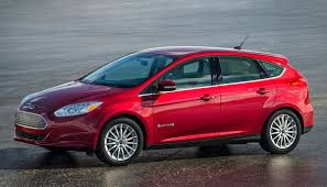 nissan leaf tire size buying a nissan leaf read this guide ecomento com