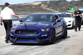 mustange shelby 2016 ford mustang shelby gt350 drive cars com